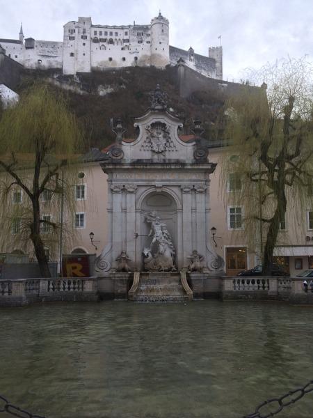 salisburgo-cosa-vedere-kapitelplatz1
