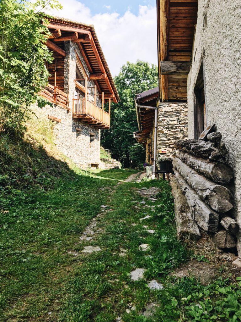 sentiero da imboccare in borgata Mattalia